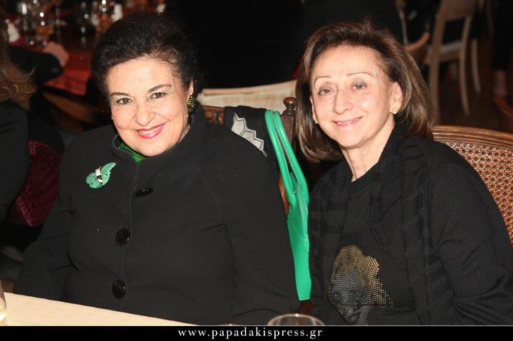 Δύο μεγάλες κυρίες της πολιτιστικής και κοινωνικής σκηνής του τόπου.Μαρίνα Λαμπράκη Πλάκα, Νέλλυ Δόξα.