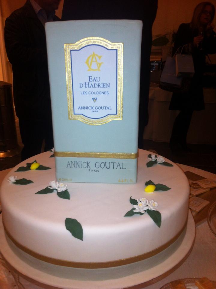 Η τούρτα , μία δημιουργία φόρος τιμής στη νέα σειρά των αρωμάτων της Annick Goutal