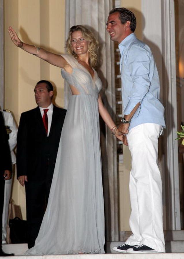Πρίγκιπας Νικόλαος και Τατιάνα Μπλάτνικ, στην δεξίωση του γάμου τους, στο Ποσειδώνιο