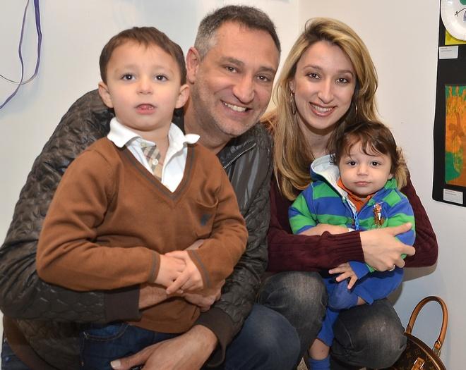 Ο Γιώργος καιη Έλενα Ντάβλα, με τους γιους τους και μαθητές του Melina's, Κωνσταντίνο και Φίλιππο