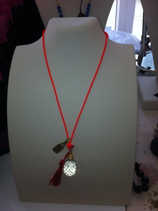 Το καλύτερο δώρο για αυτές τις ημέρες, crystal quartz Vanile on the Rock, 40 ευρω