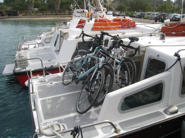 Sea taxis μεταφέρουν τα ποδήλατα από την Κόστα...