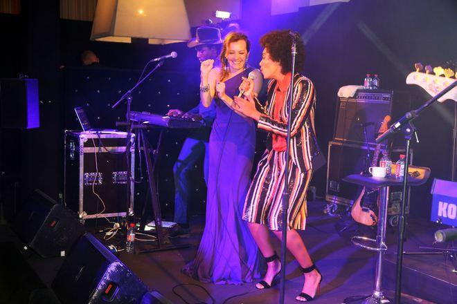 Η Caroline Scheufele μαζί με την Solange Knowles στην πίστα