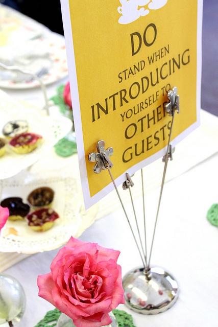 Οι ιδέες για το τραπέζι μας είναι πολλές, απλά χρησιμοποιούμε τη φαντασία μας...
