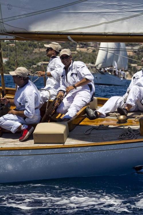 Ο Στρατής Ανδρεάδης στο Glaramara, κατά την διάρκεια του Spetses Classic Yacht Race