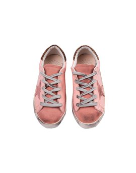 "Και τέλος, τα απόλυτα sneakers! Golden Goose Deluxe Brand ""Super Star"", 152 euro"