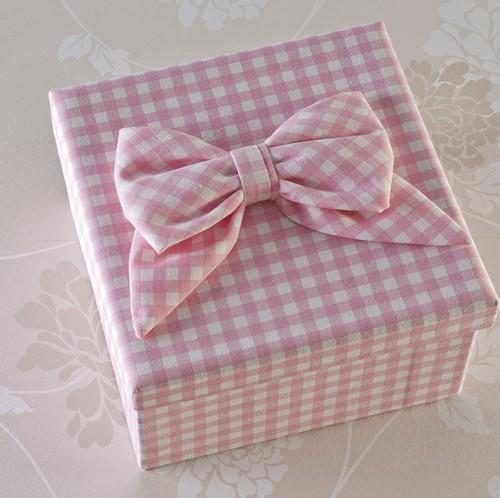 Κουτί βάφτισης για όσες προτιμούν το ροζ