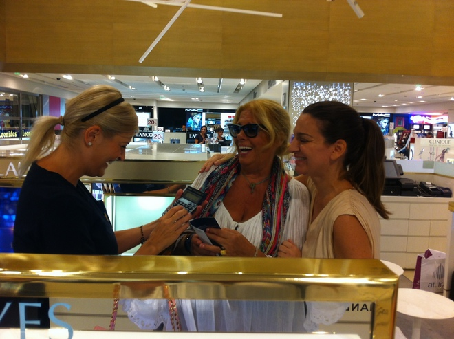 Shopping Therapy για την Ελμίνα Μπέη υπό τις υποδείξεις της Μάρσιας Χατζηγεωργίου