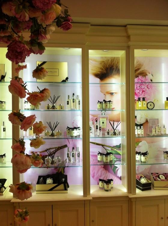 vitrine flowers