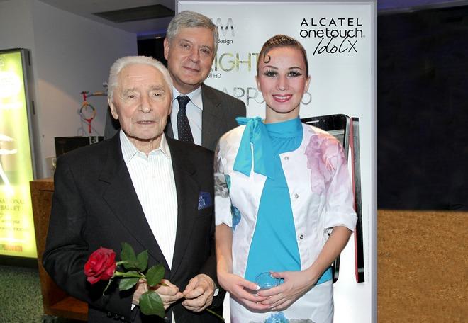 Ο Καλλιτεχνικός Διευθυντής των Μπολσόι, ο Ρώσος πρέσβης και η Πρίμα Μπαλαρίνα των Μπαλέτων