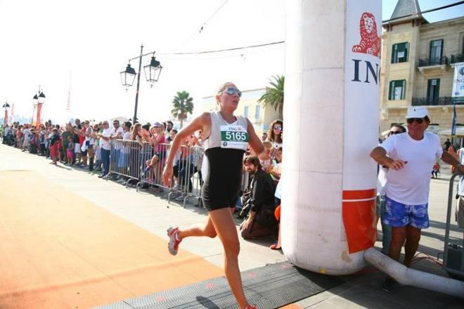 Η Ρόη Αποστολοπούλου τερματίζει πρώτη στις Γυναίκες, με χρόνο 18.31, στον αγώνα δρόμου 5k. Συγχαρητήρια φιλενάδα!