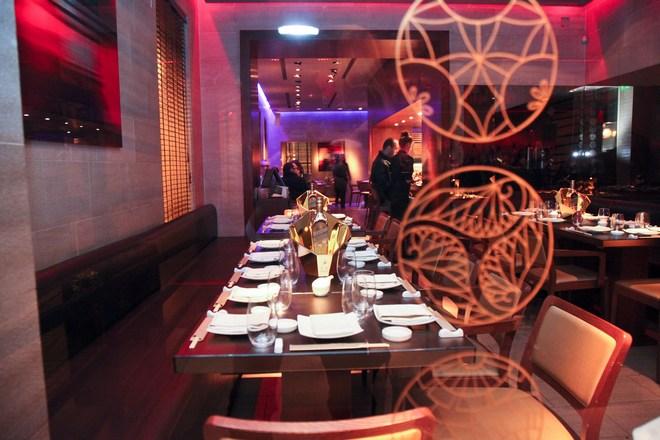 INBI / ìå Ýíá ëáìðåñü Opening Party ãéïñôÜóôçêå ï 5ïò ÷ñüíïò ëåéôïõñãßáò ôïõ ãíùóôïý Japanese fusion restaurant óôï ÊïëùíÜêé (ÄÔ)