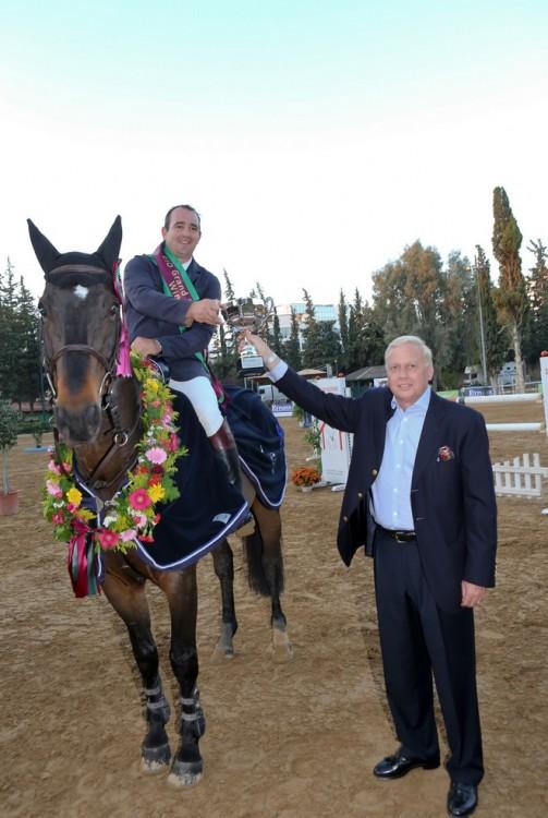 Ο Νίκος Μακρόπουλος με τον νικητή Nick Channing Williams