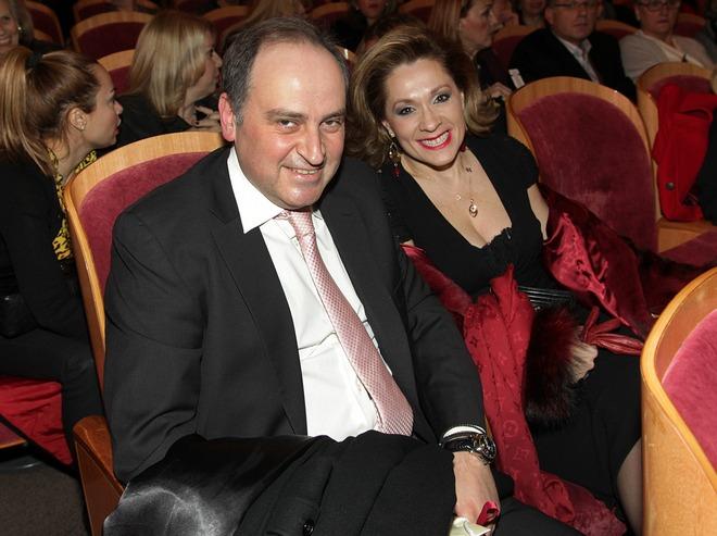Κωνσταντίνος Παπακωνσταντίνου, Τζίνα Θανοπούλου