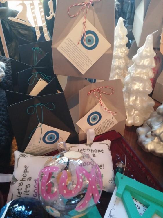 Το corner του Wrap και της Πουκ Σωτηρίου, γεμάτο Χριστουγεννιάτικα στολίδια! Τα ομορφότερα...