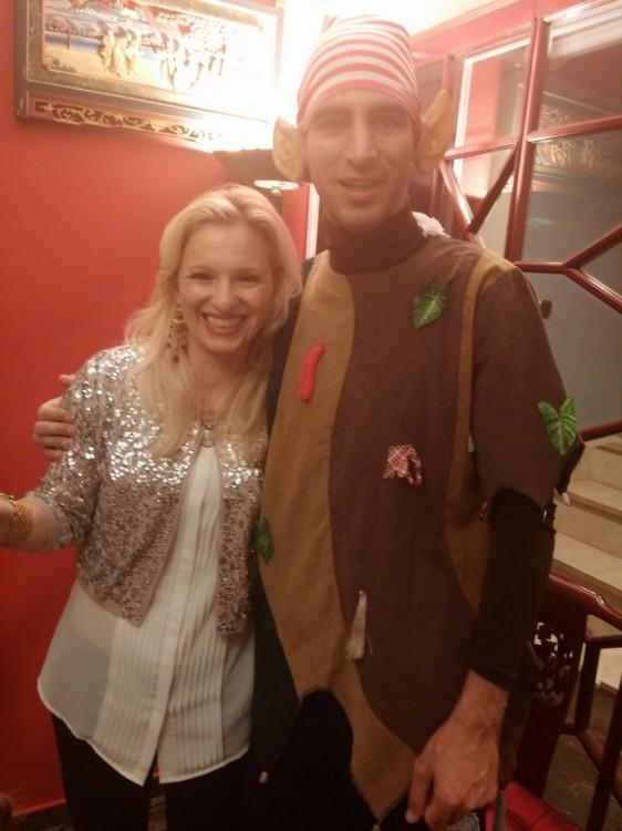 Ανήμερα της γιορτής της Βανέσσας, με το...ξωτικό αγκαλιά!