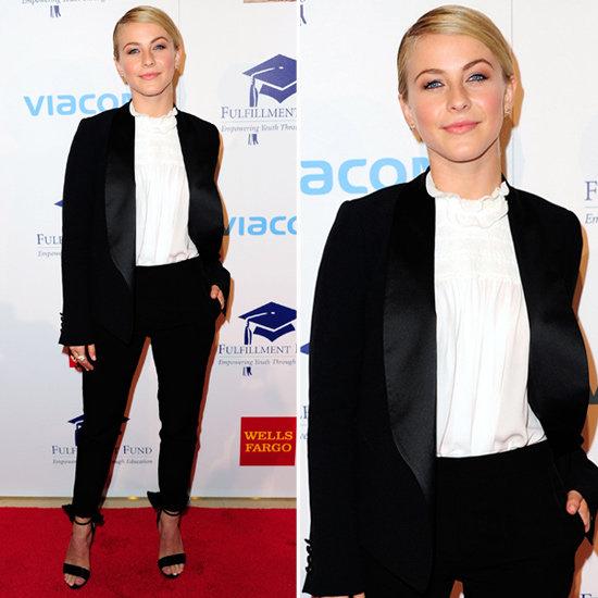 To tuxedo suit της Julianne Hough...