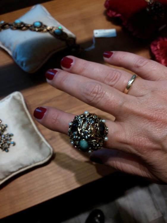 Δοκιμάζω το συγκλονιστικό δαχτυλίδι από τη συλλεκτική Συλλογή Alcozer & J!
