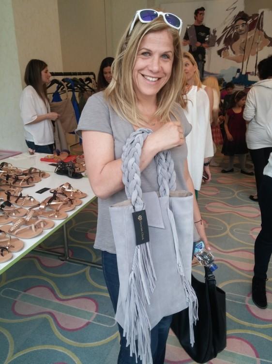 Η Σάντυ Χριστοδούλου με τσάντα Grecian Chick
