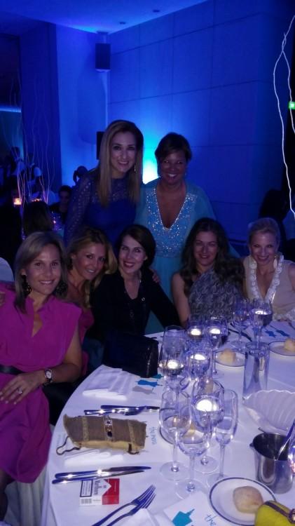 Με τις φίλες μου Ελίνα Βαμβακά, Ιωάννα Σακελλαρίου-Μουτσίδη, Σια Ξαναλάτου, Βανέσσα Γερουλάνου και Ρούλα Λινάτσα