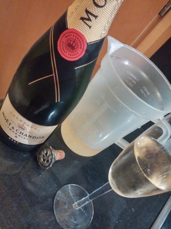 Και ένα ποτήρι για την chef!