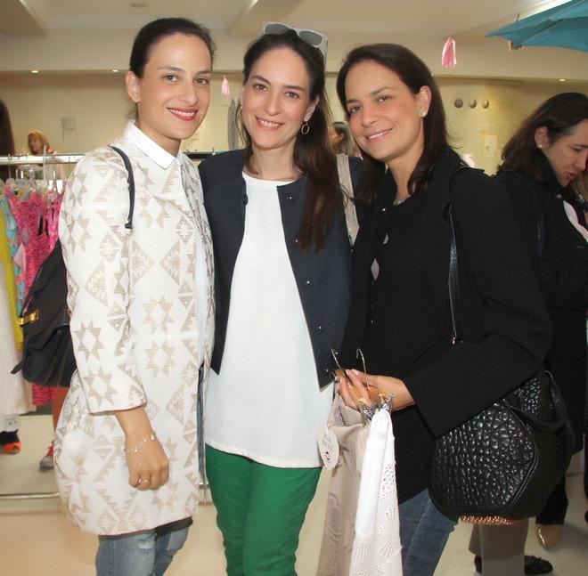Εμμανουέλα, Ίσις και Μαρία Ελένη Λύκου