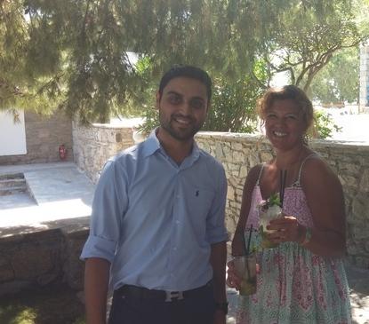 Με τον F&B του Mykonos Theoxenia που υπογράφει το cocktail, Δημήτρη Ζήλιο