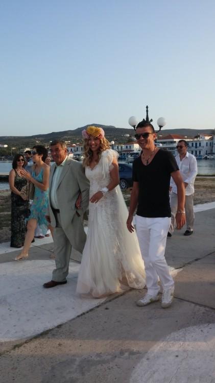 Η άφιξη της νύφης...