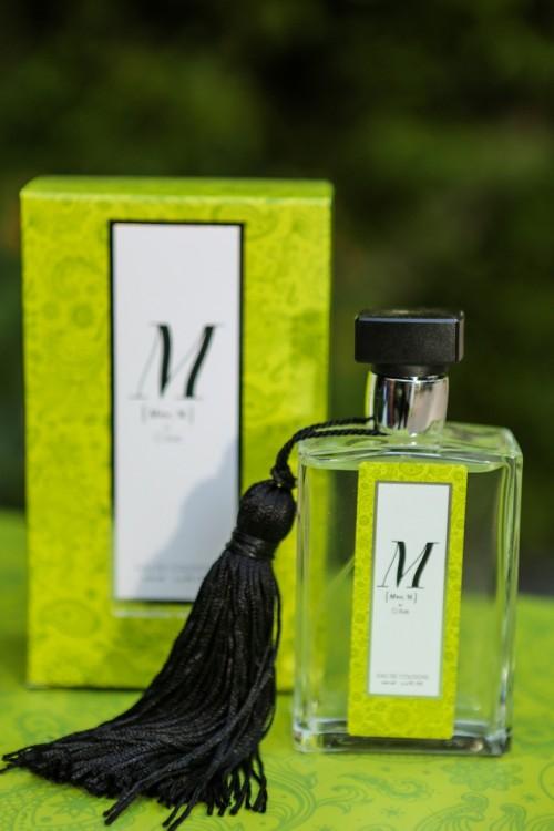 """Το άρωμα απευθύνεται σε γυναίκες και σε άντρες και μέρος των πωλήσεων θα διατεθεί στον Σύλλογο """"Ελπίδα"""""""