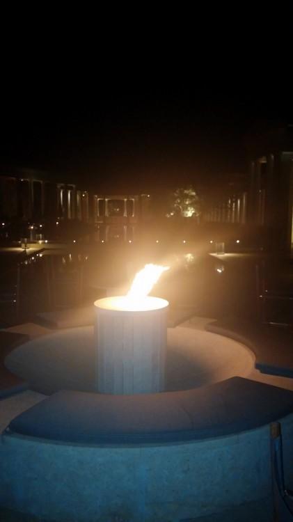 Δίπλα στη φωτιά, κάτω από το φεγγάρι...