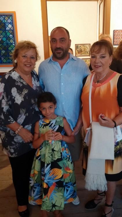 Νάντα Γερουλάνου, Νικόλας, Ελμίνα και Ειρήνη Κατσαρού