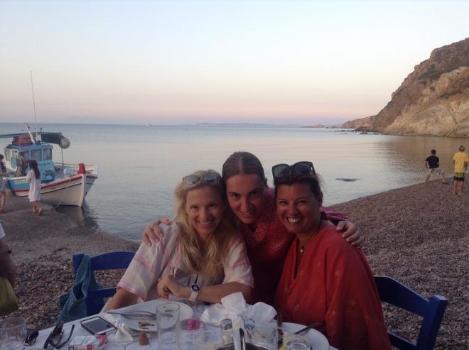 Με την Βανέσσα Γερουλάνου και την Μάνια Λούβαρη στη Λάμπη
