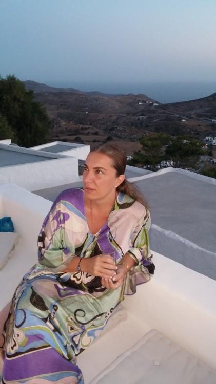 Μάνια Λούβαρη
