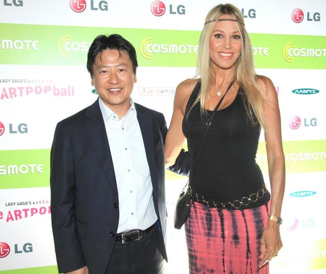 Ο Πρόεδρος της LG, Pilwon Jung με την Αννίτα Ναθαναήλ