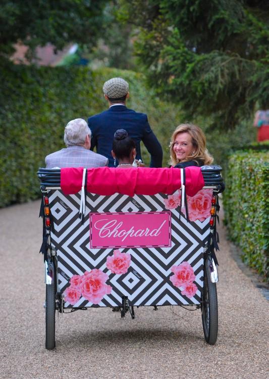 Caroline Scheufele in a rickshaw!