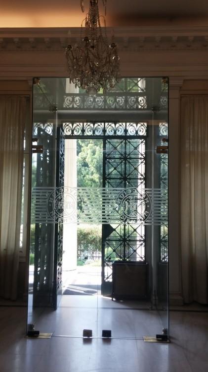 Φεύγοντας από το Μουσείο Μπενάκη έχω χορτάσει αρώματα, χρώματα, γεύσεις, εμπνεύσεις...Και ο ήλιος με ακολουθεί...