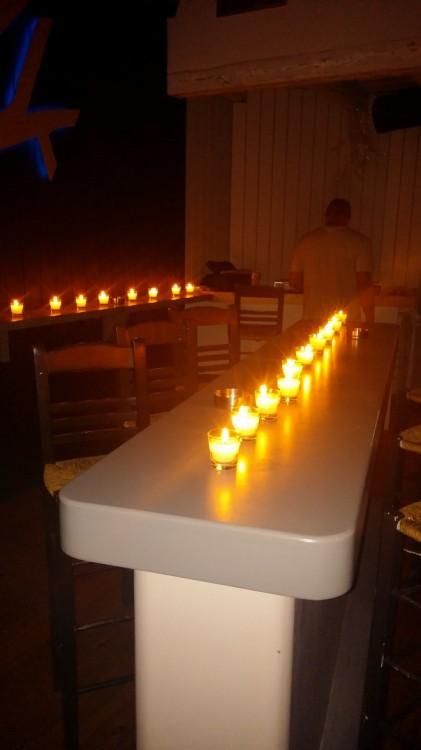 Throubi....Υπό το φως των κεριών...