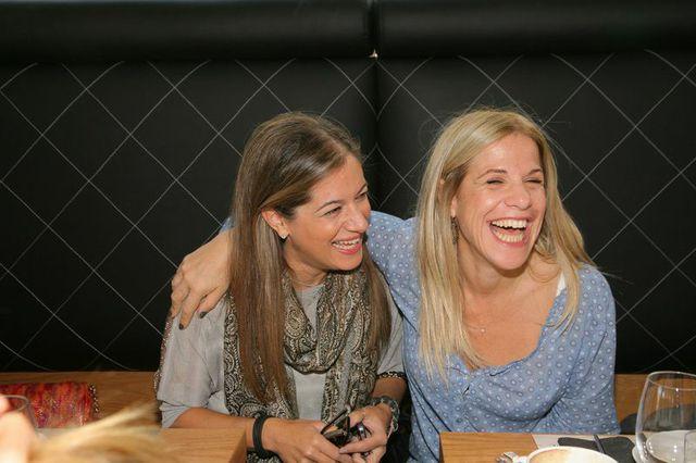 Λατρεμένες και πάντα ξεκαρδισμένες στα γέλια: Σαλώμη Φλουτάκου, Σάντυ Χριστοδούλου