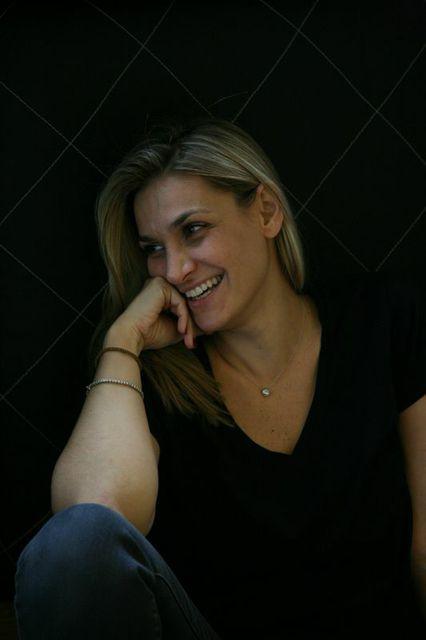 Ελίνα Μπακατσέλου. Την λατρεύω!!!