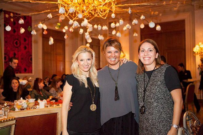 Με τις αγαπημένες μου Βανέσσα Γερουλάνου και Μαρίλυ Καλαβρού-Φίλιου. Κολλητούλες μου, και μαμάδες των κολλητών της κόρης μου...