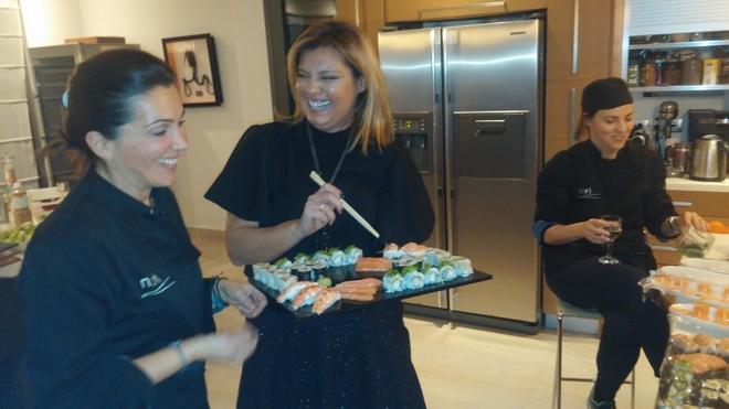 Mε την Τίνα και την Sharon στην κουζίνα αγαπημένης φίλης, το βράδυ της Παρασκευής