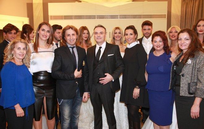 Ντίνα Σιώρα, Εφη Κωνσταντοπούλου, Μιχάλης Μανιάτης, Σωτήρης Κομματάς, Μάγδα Λέκκα, Μαρία Κομματά, ανάμεσα στα μοντέλα