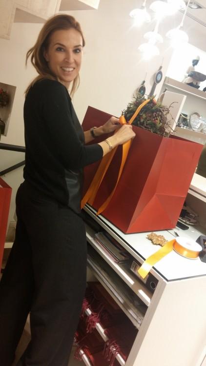 """Το """"Salacha Gifts & More"""" φημίζεται για το packaging,  και η Ναταλία Σαλάχα βάζει τα δυνατά της..."""