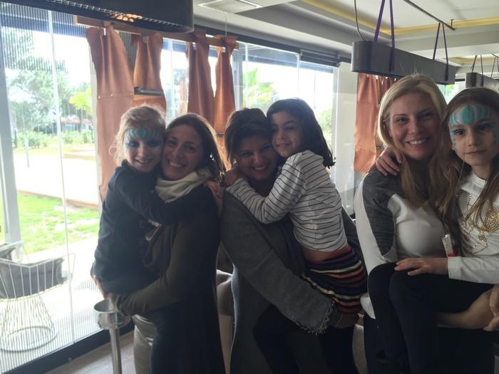 Με την Μαρίλυ Καλαβρού, την Λίλιαν Βαρβιτσιώτη και τις κόρες μας