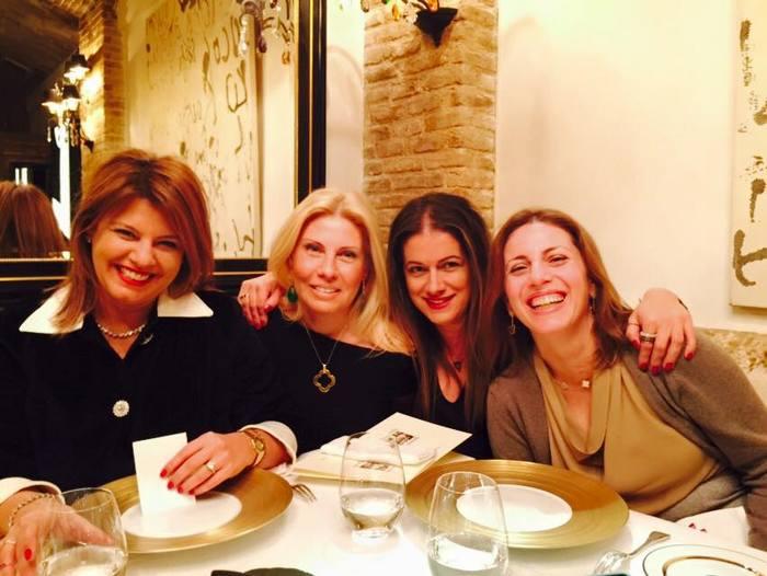 Με τις φίλες μου Λίλιαν Βαρβιτσιώτη, Σαλώμη Σταυρίδου-Φλουτάκου και Μαρίλυ Καλαβρού-Φίλιου. Τις λατρεύω...