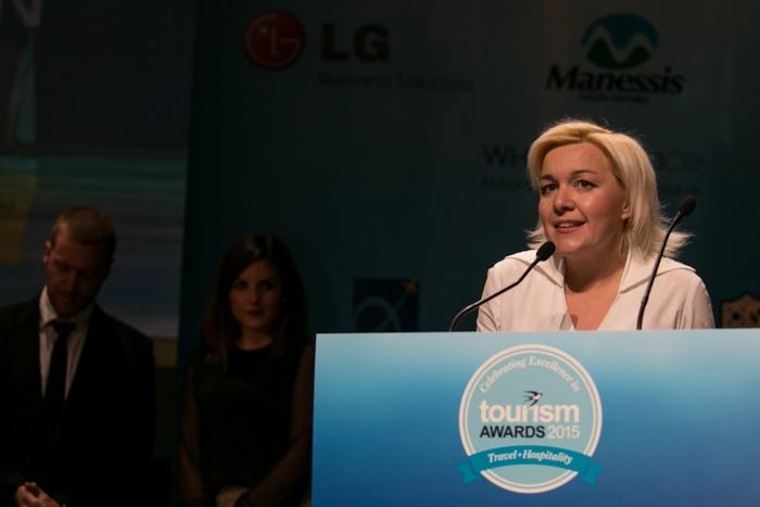 Η Μαρίνα Κουταρέλλη παρέλαβε δύο βραβεία για το Spetses mini Marathon, το Ασημένιο στη Κατηγορία «Δημοσιογραφική Προβολή» και το Χρυσό Βραβείο στην κατηγορία «Αθλητικός Τουρισμός»