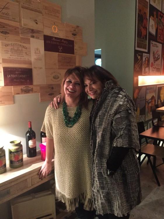 Με το Σοφάκι, που φοράει το παλτό Fay Bei for See You Klio, The Velvet Collection...