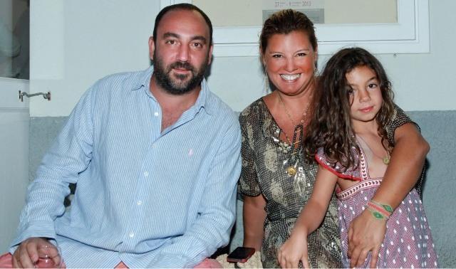 Με τον Νικόλα και την Ελμίνα, στην έκθεση του Κυραρίνη στην Γκαλερί Citronne, στον πόρο, το Καλοκαίρι του ΄13