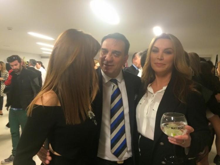 Βλέπω τον Στέλιο Κωνσταντινίδη με την  και την Τατιάνα Στεφανίδου. Και ποιους δεν βλέπω...Stay tuned...