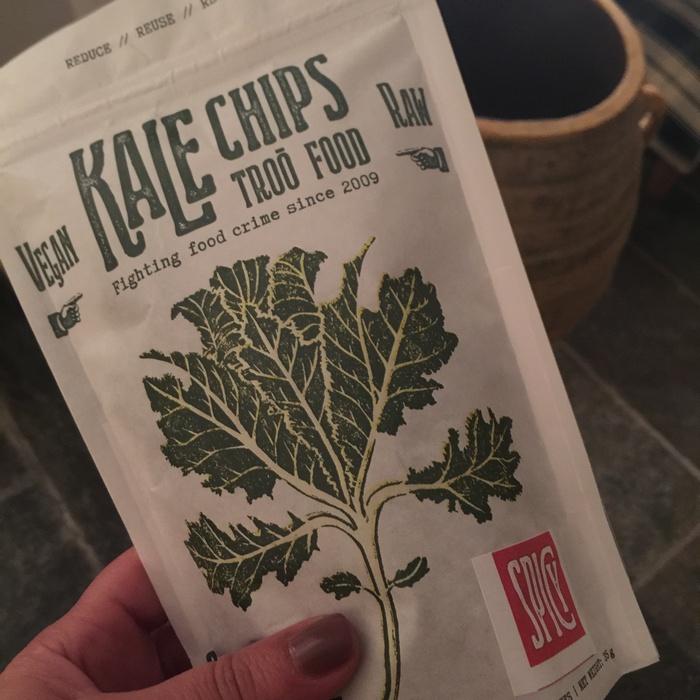 Το snack: Kale chips, super food και νηστίσιμο, από το Melo little Bakery...